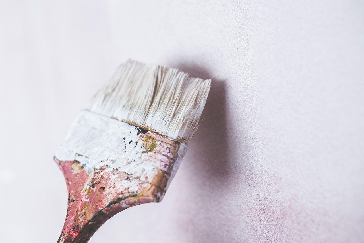 Plomb dans les peintures, à vérifier avant de vendre
