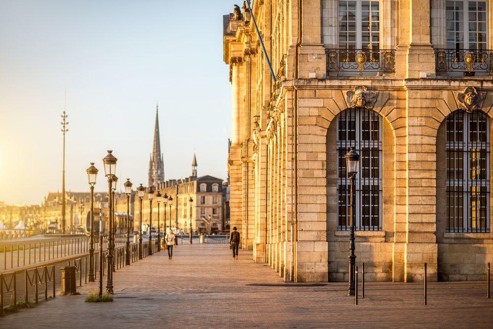 Vivre à Bordeaux: dynamisme, diversité et richesse