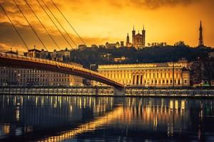 Lyon: une ville dynamique alliant histoire et modernisme