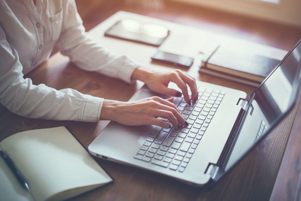 Comment rédiger votre annonce immobilière pour vendre plus vite votre bien ?