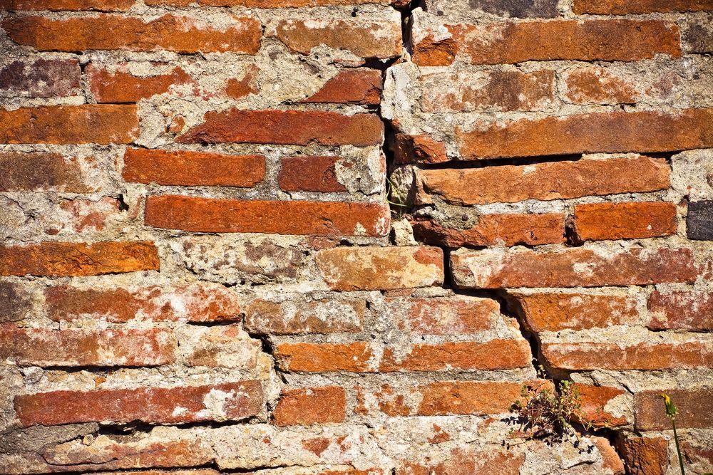 Immobilier : que faire en cas de vices cachés ? les conseils du notaire