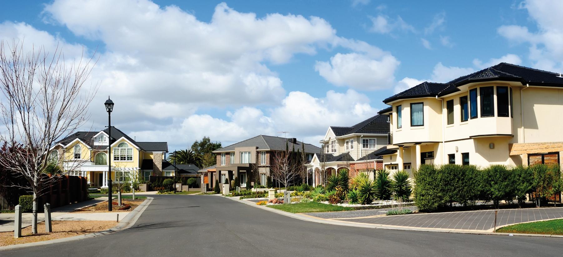 Le marché de la maison à plusieurs vitesses